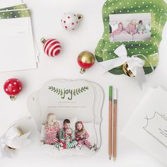Send your loved ones a joyful holiday cheer with a Minted holiday greeting card.  Image courtesy of @kailee_wright.