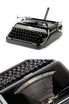 Erika 10 Schreibmaschine 50er Jahre schwarz von ILikeToType