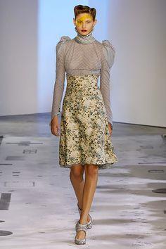 elizabethan style clothing | Elizabethan S/S 2006 - the Fashion Spot