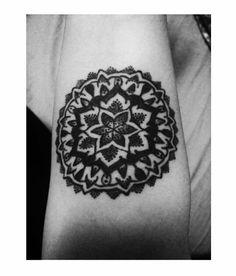 Mandala - madness on tattoo convention