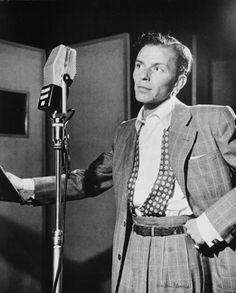 1947: Frank Sinatra, Liederkrantz Hall, NYC