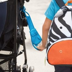 Stay close to mom with this practical Walk Along Stroller Handle. A must have for this summer!