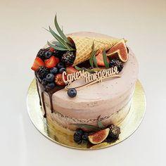 Media by Tort40: Шоколадно кофейный торт Шоколадный бисквит, пряный вишневый мармелад, мега хру...
