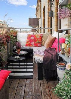 パリには小さいアパートがたくさんあるので、真似しやすいものも多いのでおしゃれなインテリアコーディネートの参考になるのではないでしょ… もっと見る
