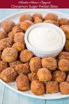 Copycat Auntie Anne's Cinnamon Sugar Pretzel Bites with Fluffy Cream Cheese Dipping Sauce ~ YUM! #Christmas #snack #recipe