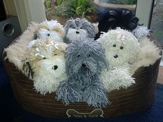 Yarn Dogs: Fun to make, great to give! No housebreaking required.