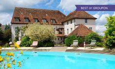 Bourgogne : 1 à 3 nuits avec petit déjeuner et accès piscine, dîner optionnel à l'Hostellerie de la Tour d'Auxois pour 2: 75.00€ au lieu de…