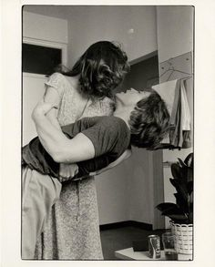 Mark Hamill and Carrie Fisher behind the scenes of ESB