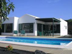 Fabulous 2 bedroom detached villa, large private heated pool & terrace. Wi-Fi. | HomeAway lanzarote
