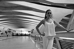 Camille en gare de Calatrava