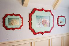 Organic Bloom Frames (possibly mod podge photos onto wooden plaques from hobby store) Cool Picture Frames, Cute Frames, Picture Wall, Decor Crafts, Wood Crafts, Diy Home Decor, Organic Bloom Frames, Wal Art, Foto Fun