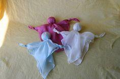 une poupée de soie / noeud poupée / snuggel waldorf par elfenwiege Baby Sewing, Sew Baby, Warm Hug, Waldorf Dolls, Knots, Sewing Projects, Crafts For Kids, Etsy, Craft Ideas