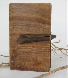 A-Mar journal for your senses by lacunawork on Etsy. Elastic and driftwood closure