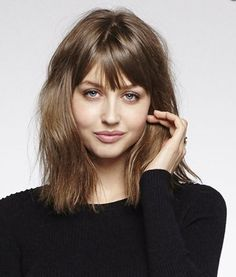 Cute bangs, messy long bob