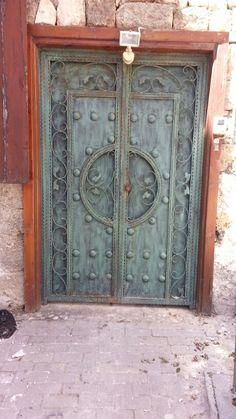 Tarihi  kapılar  Girne