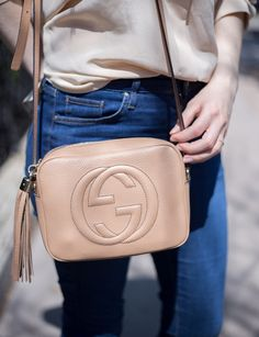 The Casual Issue | Gucci Disco Soho Bag Tasche in Beige Alle Details findet ihr hier: http://thecasualissue.com/outfit-granny-schuhe-und-pastell-bluse/