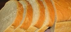 Ideal Melk Brood | Boerekos – Kook met Nostalgie A Food, Good Food, Yummy Food, Self Raising Flour Bread, Easy Cooking, Cooking Recipes, How To Read A Recipe, South African Recipes, Bread Bun