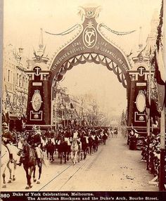 Federation Roses Stereoscopic Views Duke of York Celebrations, Melbourne 1901 The Australian Stockmen and the Dukes Arch Bourke Street Melbourne Vic Australia Vic Australia, Victoria Australia, Melbourne Australia, Melbourne Architecture, Ancient Architecture, Aaliyah, Martin Luther, Old Pictures, Old Photos