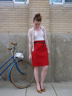 I want this skirt, really badly. I also want that bike. This blog is one of my new favorites and it's not just because of the fantastic title.