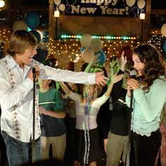 The Hardest High School Musical Quiz Ever This is the High School Musical quiz you've been waiting for. High School Musical Quiz, Saga, Troy And Gabriella, Troy Bolton, Nostalgia, Netflix, Science Student, Disney Channel, Movies Showing