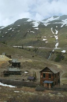 Ghost Town in Colorado... I want to go check it out!!