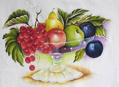 fruteira com frutas