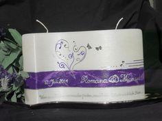 Hochzeitskerze bemalt lila Herzen romantisch Liebe Schmetterlinge Candle Art, Sunglasses Case, Candles, Cage, Weddings, Google, Embellishments, Dekoration, Romantic Love