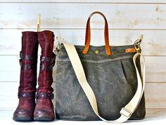 Unisex WAXED CANVAS Messenger bag  //  TOTE / Diaper bag dark khaki / Leather straps / Men messenger / Travel bag/Diaper bag