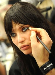 Ever wonder how to get the the perfect under eye-liner?! Check this out!