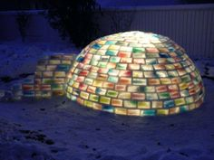 My rainbow igloo. { How to Build a Rainbow Igloo winter snow rainbows igloos ice architecture } Forts En Carton, Un Igloo, Igloo Building, Do It Yourself Baby, Ice Blocks, Rainbow Blocks, Wie Macht Man, Diy Origami, Winter Fun