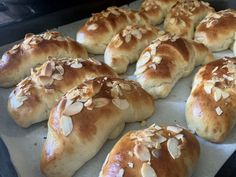 Makovky. Recept s fotopostupom - Spoza plota Hot Dog Buns, Hot Dogs, Bread, Food, Brot, Essen, Baking, Meals, Breads
