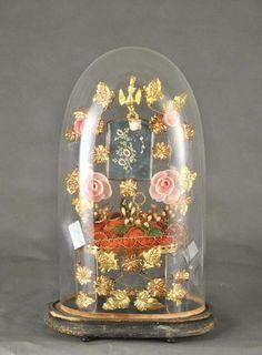 Globe de mariée à base ovale  et sa garniture composée de glaces,