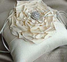 Creme de la Creme Fleur Ring Pillow,