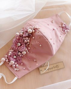Embroidery Fashion, Beaded Embroidery, Hand Embroidery, Mouth Mask Fashion, Fashion Face Mask, Easy Face Masks, Diy Face Mask, Bridal Mask, Diy Mask