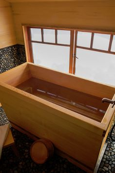 DIY Wooden Bathtub