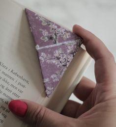 Slik lager du fine bokmerker til den leseglade Floral Tie, Productivity, Diy, Floral Lace, Bricolage, Do It Yourself, Diys, Crafting