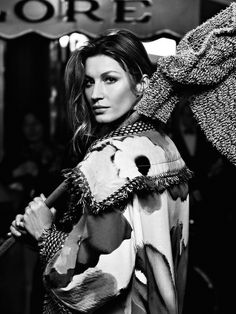 Gisele Bundchen by Karl Lagerfeld for Chanel S/S 2015 Gisele Bundchen, Chanel Campaign, Chanel 2014 2015, Karl Lagerfeld, Tom Brady And Gisele, Harpers Bazaar, World Of Fashion, Fashion Models, Fashion Photography