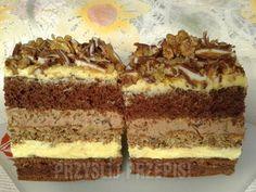 Ciasto Snikers orzechowo-czekoladowy - przyslijprzepis.pl Cake Recipes, Dessert Recipes, Polish Recipes, Food Cakes, Something Sweet, Tiramisu, Creme, Ale, Biscuits