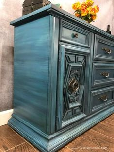 How to Blend & Layer Paint for Amazing Results on your painted furniture projects. Blue Painted Furniture, Black Bedroom Furniture, Chalk Paint Furniture, Refurbished Furniture, Bed Furniture, Repurposed Furniture, Furniture Projects, Furniture Makeover, Vintage Furniture