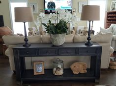 Sofa Table Decor Behind Couch Living Room 83 Home Living Room, Living Room Furniture, Living Room Designs, Living Room Decor, Sofa Table Decor, Table Decorations, Couch Table, Sofa Tables, Sofa Table Styling