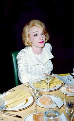 Mae west marlene dietrich were actually good friends on - The girl la diva di hitchcock ...