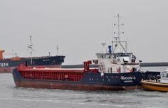 10 mei 2016 te IJmuiden uit de Vissershaven onderweg naar zee  RHOON-C  http://koopvaardij.blogspot.nl/2016/05/vertrek-thuishaven.html