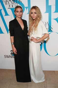 Picture of Mary-Kate and Ashley Olsen