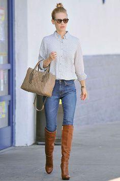 On évite de porter ses bottes par-dessus le jean si on a pas les longues jambes fines d'Adriana Karembeu (ici January Jones). Et oui, cela vous tasse ! Pour d'autres conseils morpho style : http://www.bullesdemode.com/personal-shopping-lyon/accompagnement-shopping/