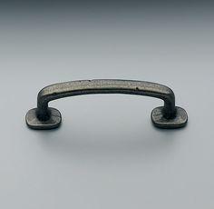 Kitchen Cabinets - perimeter - Dakota Wire Pull in rustic pewter