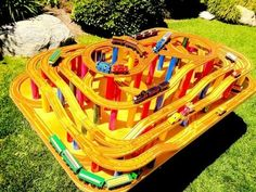 Track Chat - Thomas The Tank Engine & Friends Wooden Toy Railway - Custo. Thomas The Train Table, Thomas The Tank, Thomas Train, Thomas And Friends Toys, Thomas Toys, Wooden Toy Train, Wooden Toys, Kids Bedroom Organization, Miniature Crafts