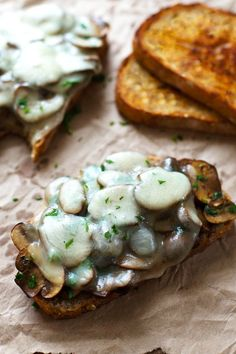 Simple Garlic Butter Mushroom & Provolone Melts - step up your lunch menu with this easy, cheesy sandwich. I Love Food, Good Food, Yummy Food, Garlic Butter Mushrooms, Vegetarian Recipes, Cooking Recipes, Garlic Recipes, Eat Smarter, Mushroom Recipes