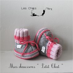 Cet article n'est pas disponible - Booties crochet and knitting. Booties Crochet, Crochet Boot Socks, Crochet Converse, Crochet Slippers, Knitting Socks, Knit Baby Booties, Knitted Baby Clothes, Crochet Baby Shoes, Baby Knitting Patterns