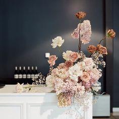 Floral bouquet and store interior. Floral Wedding, Wedding Colors, Wedding Bouquets, Wedding Flowers, Deco Floral, Floral Design, Floral Centerpieces, Floral Arrangements, Wedding Designs