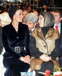 Katar Prensesi Sheikha Mozah Lacivert Kadife Takım